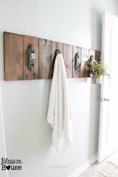 Fantastic Best Country Decor Ideas – Modern Farmhouse Towel Rack – Rustic Farmhouse Decor Tutorials and Easy Vintage Shabby Chic Home Decor for Kitchen, Living Room and Bathroom – Creative Country ..