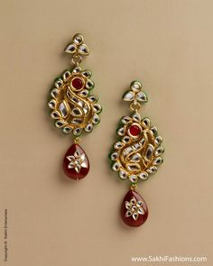 Stunning pair of earrings featuring like Kundan Stones with mango detailing with red pear shaped. Buy Gold Jewellery Online, Real Gold Jewelry, Gold Jewellery Design, Modern Jewelry, Indian Jewelry, Jewellery Sketches, Jewelry Model, Small Earrings, Jewelry Collection