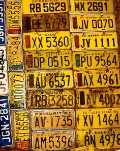 Placas da década de 70 e 80 #brasilia #bsb #taguatinga #ceilandia #setoro #antigo #retro #vintage #antigamente #placaamarela #placaantiga #antigo #motoantiga #vespas #vespa #carroantigo #vendadobento #kombinacao #saopaulo #riodejaneiro #cristalina