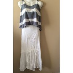 O'Neill White Mermaid Style Maxi Skirt White maxi skirt. In very good condition, no stains or flaws. Accepting any and all offers! Just click the offer button and I will ship within 1-2 days! Feel free to leave questions down below and I'll reply as quickly as possible! O'Neill Skirts Maxi