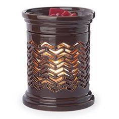 """Chevron.   You may mix and match warmers to meet the (3) Master Pack minimum.   Product Specifications: Length: 4.5"""" Width: 4.5"""" Height"""" 6.5"""" Weight: 1.90 lbs Electrical Rating: 120V, 60Hz, 25W Bulb Type: NP5  Switch Type: Dial Switch Testing Approval: ETL Listed"""