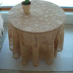 so delicate table cloth, love it