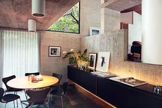 Modern House: Gissing House by Harry Seidler - Water Street, Wahroonga NSW 2076 Interior Architecture, Interior Design, Australian Architecture, Interior Walls, Amazing Architecture, Mid Century House, Mid Century Modern Design, Bungalows, Interior Inspiration