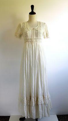 1960s Dress // BOHEMIAN Bride // Cream Lace Wedding Dress