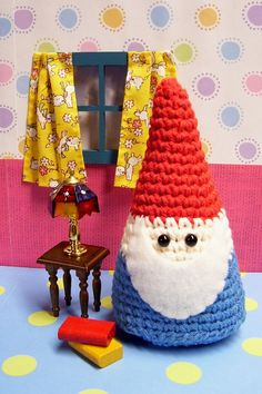 DIY: amigurumi gnome (free pattern). I know, it's a guilty pleasure... but I love gnomes! @Samantha Lavandier!!!!