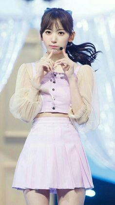 Yuri, Sakura Miyawaki, Fashion Mag, Japanese Girl Group, Honda, Miyazaki, Kpop Girls, Asian Beauty, High Waisted Skirt