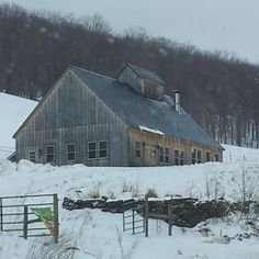 Neat old barn ~ I would love to convert this to a house