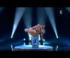 Incredible Dance Routine, I didn't know anyone could be this! flexible, it is almost painful to watch but very Fasinating!