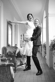 Bild Braut Bräutigam Wachau Hochzeit Hochzeitslocation Donau Burgenland Seewinkel Villa vita feiern fröhlich strahlen glücklich