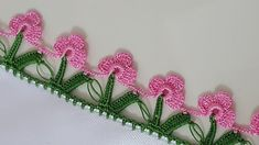 This is an interesting and nice stitch pattern: the Chevron Retro Stitch Wave Crochet pattern which I'm sure you guys would like to know how it is done. Crochet Edging Patterns, Crochet Borders, Crochet Designs, Crochet Lace, Crochet Flower, Knitting Projects, Crochet Projects, Saree Tassels Designs, Needle Tatting
