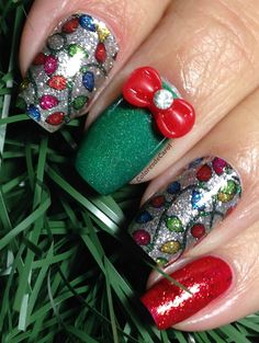 Colores de Carol: Incoco Nail Polish Appliqué - Tis The Season: All I Want for Christmas are this Adorable Nails!