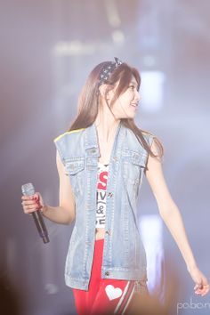 Find images and videos about kpop, snsd and girls generation on We Heart It - the app to get lost in what you love. South Korean Girls, Korean Girl Groups, Pop Fashion, Girl Fashion, Sooyoung Snsd, Korean Girl Band, Kwon Yuri, Girl Bands, Female Singers