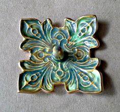 https://www.etsy.com/listing/258659201/ceramic-ring-holder-bowl-fleur-de-lis?ga_search_query=fleur
