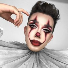 Looking for for ideas for your Halloween make-up? Browse around this site for creepy Halloween makeup looks. Halloween Clown, Unique Halloween Makeup, Halloween Makeup Looks, Halloween Party, It Clown Costume, Easy Halloween Costumes Women, Cool Makeup Looks, Holiday Makeup, Maquillaje Halloween It