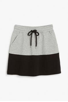 Monki Image 1 of Sweat skirt in Black Girls Tennis Dress, Simple Outfits, Cute Outfits, Shirt Extender, Sports Skirts, Pola Rok, Dress Skirt, Waist Skirt, New Dress