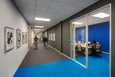 https://officesnapshots.com/wp-content/uploads/2017/11/mobilityware-offices-irvine-lpa-inc-9-1200x800.jpg
