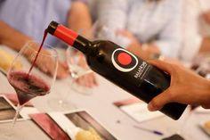 Pago Los Balancines, seleccionada para participar en el Salón de los Mejores Vinos de España https://www.vinetur.com/2014101517031/pago-los-balancines-seleccionada-para-participar-en-el-salon-de-los-mejores-vinos-de-espana.html