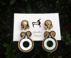 Sand...  Purchase info gazellasdesign@gmail.com or or visit www.poshmark.com/closet/gazellasdesign #soutache #earrings #elegantearrings #elegance #fashionpolis #texasfashion #madeforyou #handmade #handmadeset #accesoriesshop #custommade #jewelry #texas #houstongram #getyours #trendingnow #jewelryset #onlineshopping #onlinestore #shophouston  @gazellasdesign