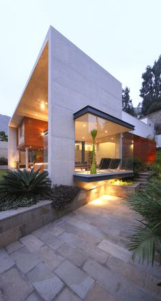 Image 3 of 26 from gallery of S House / Domenack Arquitectos. Photograph by Juan Solano