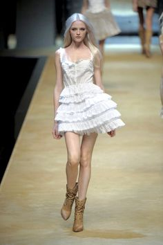 Runway Fashion, Fashion Beauty, Silver White Hair, Cute Preppy Outfits, Dresses With Cowboy Boots, Vlada Roslyakova, White Dress, Style Inspiration, My Style