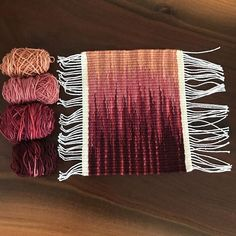 Off the loom! ➰ weftblending example