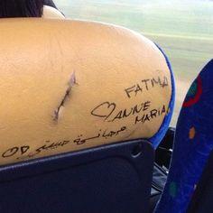 Fatma og Anne Maria har erklæret deres kærlighed for andre passagerer .... smukt