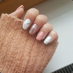 The advantage of the gel is that it allows you to enjoy your French manicure for a long time. There are four different ways to make a French manicure on gel nails. The choice depends on the experience of the nail stylist… Continue Reading → Short Nail Designs, Colorful Nail Designs, Acrylic Nail Designs, Nail Art Designs, Nails Design, Pedicure Designs, Classy Nails, Trendy Nails, Cute Acrylic Nails