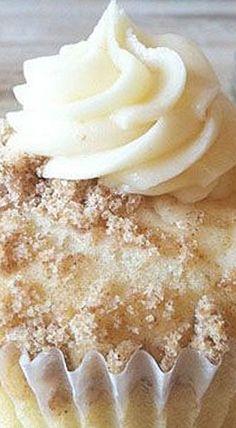 New York Style Cheesecake Cupcakes - Luise.site- New York Style Käsekuchen Cupcakes – Luise.site New York Style Cheesecake Cupcakes - Cupcake Recipes, Cupcake Cakes, Dessert Recipes, Cup Cakes, Cupcake Flavors, Macaron Cake, Food Cakes, Cupcake Ideas, Recipes Dinner