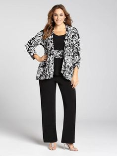 Laura Plus: for women size 14 . Shake up your evening wear by indulging in a pant suit! This gorgeous set features a printed jacket, a printed-waist top and straight leg pants, all combining for a look that breaks the mould.5010103-0293