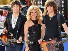 The Band Perry have turned family harmony into big business. Lead singer Kimberly Perry used to be a solo act, and her brothers, Neil and Reid, worked as her roadies. Tortuga Music Festival, Jonathan Knight, Little Big Town, The Band Perry, Lets Dance, Sound Of Music, News Songs, Country Music