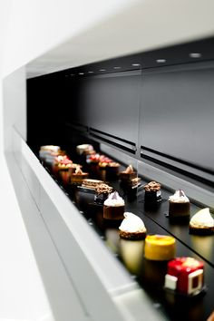 Patisserie Antoine by Studio Atelie*er showcases sweet treats like fine jewelry, mixing food design, architecture and brand experience on the same platform.