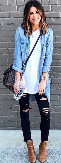 Stunning Winter Outfits To Copy ASAP – Stylish Wife – Outfit Ideas Stunning Winter Outfits To Copy ASAP men's blue denim jacket Looks Camisa Jeans, Looks Jeans, Fashion Mode, Look Fashion, Autumn Fashion, Womens Fashion, Jeans Bleu, Mode Jeans, Mode Outfits