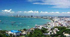 Pattaya, destino de sol y playa. Actualmente ha perdido su imagen idílica debido a problemas medioambientales y al auge de la prostitución.