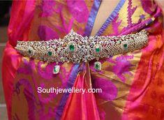 Indian Wedding Jewelry, Indian Jewelry, Bridal Jewelry, Wedding Belts, Emerald Jewelry, Gold Jewelry, Diamond Jewellery, Jewelery, Saree Jewellery