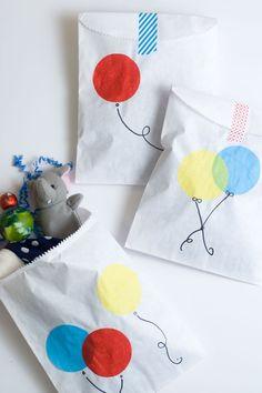 DIY Balloon Favor Bags -