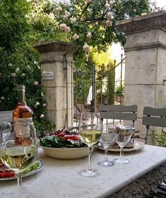 In the south of France, the French are experts of l'art de vivre. They are able to make the everyday life beautiful with carefully selected décor. French Country House, French Country Decorating, French Interior Design, French Interiors, Outdoor Dining, Outdoor Decor, Wine Table, French Countryside, French Alps