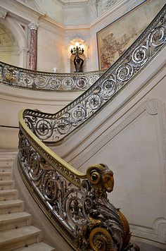Château de Chantilly Escalier  The rise of the steps is only five inches. Ever wonder why ours are so hard to climb? 1st thing I change on a blue print. Leodowellinteriors