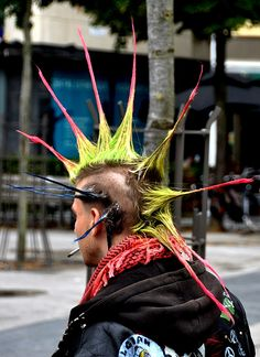 Punk.. Punk Guys, Punk Subculture, Estilo Punk Rock, Arte Punk, Anarcho Punk, Punk Fashion, Anti Fashion, Punk Looks, Goth Hair