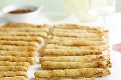 There& no law that says you need to serve frozen thin-crust cheese pizza exactly how it comes out of the package. Try it as appetizer breadsticks! Pizza Appetizers, Recipes Appetizers And Snacks, Appetizer Dips, Yummy Appetizers, Desserts, Kraft Foods, Kraft Recipes, Pain Aux Olives, Delicious Restaurant