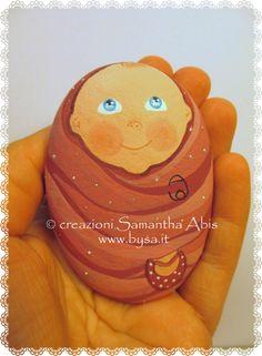 Ritratti di animali bysa: Prezzi bomboniere per battesimo o nascita; bebè in sasso di mare. Cute painted stone