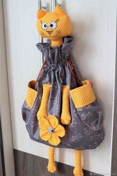 Cat Crafts, Doll Crafts, Sewing Crafts, Diy And Crafts, Sewing Projects, Sewing Patterns Free, Sewing Tutorials, Fabric Origami, Crochet Doll Pattern