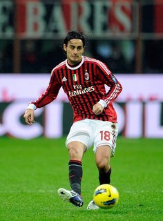 Alberto Aquilani of AC Milan in action during the Serie A match between AC Milan and Catania Calcio at Stadio Giuseppe Meazza on November 6, 2011 in Milan, Italy.