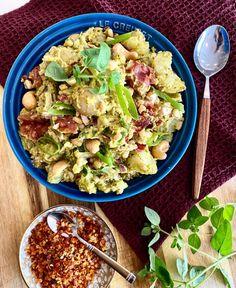 Potetsalat med pesto – Anine Gutubakken Byles Pasta Salad, Pesto, Potato Salad, Chili, Bacon, Potatoes, Ethnic Recipes, Food, Crab Pasta Salad