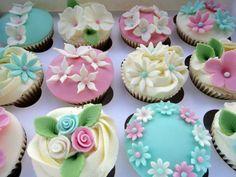 loving the spring colours of these cupcakes! via @CupcakesTakeTheCake
