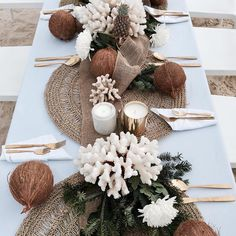 WEBSTA @ cocolux_australia - Tropical Vibes - Table details at the bare foot beach Christmas party 🌴 - in love with this island inspired table styling that includes our Cocolux Smoked ONYX and Brass coconut wax candles 💛 Beach Table Settings, Decoration Evenementielle, Table Arrangements, Event Decor, Wedding Table, Wedding Beach, Hotel Wedding, Beach Party, Event Design