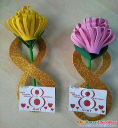 DIY Inviation Girls (Dress Up, Fashion, Make Over) Party. Kids Crafts, Mothers Day Crafts For Kids, Foam Crafts, Preschool Crafts, Diy For Kids, Diy And Crafts, Paper Crafts, Giant Paper Flowers, Paper Roses
