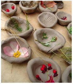 15 nature crafts for kids that can be made using found objects. - - : 15 nature crafts for kids that can be made using found objects. Summer Activities For Toddlers, Nature Activities, Toddler Activities, Indoor Activities, Family Activities, Painting Activities, Kids Crafts, Summer Crafts, Kids Nature Crafts