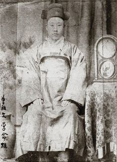 이명직 [李明稙, 1865-1915]  photographer Unidentified