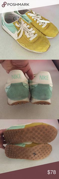 Nike pre Montreal racer Vtg Sz 7 athletic sneakers Awesome color!! Rare in pre loved condition nike Shoes Athletic Shoes