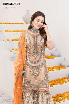 Pakistani Wedding Outfits, Pakistani Dresses Casual, Indian Bridal Outfits, Pakistani Wedding Dresses, Pakistani Dress Design, Designer Party Wear Dresses, Indian Designer Outfits, Beautiful Pakistani Dresses, Beautiful Dresses